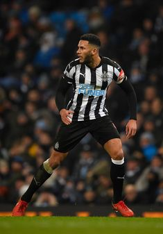Newcastle player Jamaal Lascelles in action during the Premier League match between Manchester City and Newcastle United at Etihad Stadium on January 20, 2018 in Manchester, England. - 126 of 178
