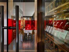 Sopra Upper Lounge, Toronto. Interior design by Studio Munge.