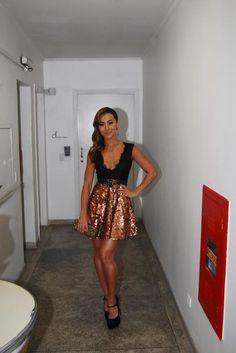 CARAS - Fashion - Sabrina Sato: fã dos looks que deixam as pernas à mostra