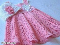 Mary Helen and crochet trico Crafts: bebe Dresses Crochet Toddler, Baby Girl Crochet, Crochet Baby Clothes, Baby Dress Patterns, Baby Knitting Patterns, Vestidos Bebe Crochet, Baby Pullover, Crochet Slippers, Baby Sweaters