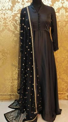 Black Pakistani Dress, Pakistani Frocks, Simple Pakistani Dresses, Pakistani Dress Design, Pakistani Outfits, Simple Dresses, Black Anarkali, Pakistani Bridal, Dress Indian Style