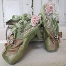 Bildresultat för Ballet present's Crystal Slipper