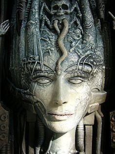 giger illustration  Outro artista que vale muito a pena conhecer é o Giger, mais conhecido pela criação do personagem Alien, Giger tem muito mais a oferecer enquanto refencia visual do que só este personagem.  vejam também o site:  http://www.hrgigermuseum.com/