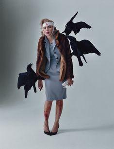 Coolest halloween costume ever!Scarlett Johansson as Tippi Hedren (The Birds) by Tim Walker, W Magazine, 2010 Classic Halloween Costumes, Fete Halloween, Vintage Halloween, Horror Halloween Costumes, Halloween 2013, Adult Halloween, Spooky Halloween, Creative Costumes, Diy Costumes