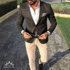 """Great style inspiration by our friend @tufanir     Awesome blazer  -------------------------------------------------------------- Follow…"""