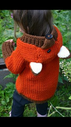 Fox knitted cardigan ~ http://www.ravelry.com/patterns/library/willy-the-wily-fox