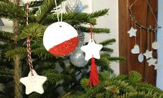 Si ton calendrier de l'avent contient un. Christmas Bulbs, Activities, Holiday Decor, Home Decor, Simple, Brother, Football, Google, Christmas Stocking