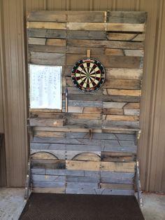 Dartboard back board pallet wall.