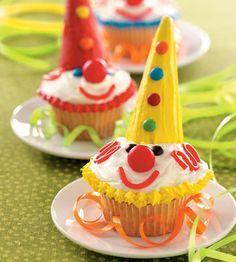 clown cupcakes - Google Search                                                                                                                                                                                 More Carnival Cupcakes, Circus Cupcakes, Circus Carnival Party, Circus Theme Party, Kid Cupcakes, Carnival Birthday Parties, Circus Birthday, Halloween Birthday, Carnival Ideas