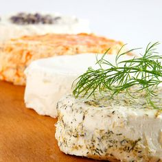 This cheese looks so good right now! Would be fabulous with the right wine and some water crackers.