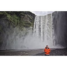 Chasing waterfalls in Iceland with @tinyiceland and @icelandair - take me back!
