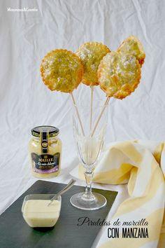 Piruletas de morcilla con manzana y salsa de mostaza al vino blanco (y ya llegó mi AIG!)