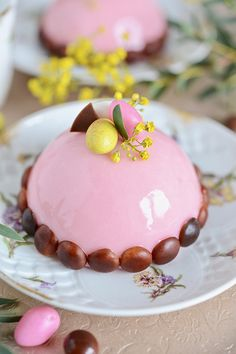 B comme Bon Creative Cake Decorating, Creative Cakes, Desserts Printemps, Thermomix Desserts, Tout Rose, Fancy Desserts, Mouse Cake, Eat Dessert First, Plated Desserts