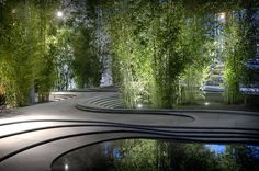 2014 Kengo Kuma Arch.Durante il Salone, nel nuovo quartiere di Porta Nuova a Milano, l'architetto giapponese ha progettato un suggestivo japanese garden fatto di pietra, verde, acqua, bambù e ghiaia.