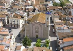 Santa Magdalena de Pulpis, el hogar de querido #mármol #GrisPulpis. ¡La #iglesia y el #castillo no se os pueden escapar!