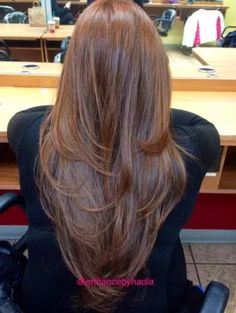 These 45 layered haircuts are perfect for long straight hair. Some create that coveted V shape in back, while others have tons of angling around the face. Medium Hair Cuts, Medium Hair Styles, Curly Hair Styles, Haircut Medium, Haircut Long, Medium Cut, Medium Layered, Layered Cuts, Haircuts For Long Hair