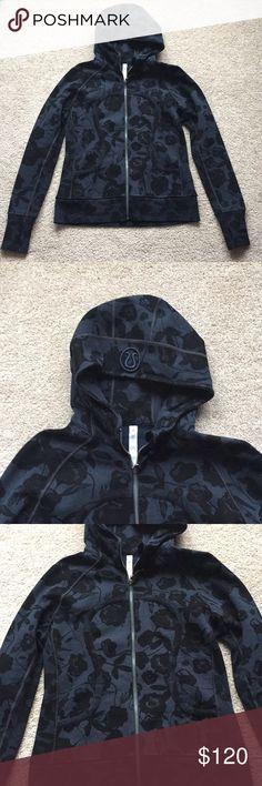 "NWOT Lululemon navy and black scuba hoodie 12 New without tags dark navy and black brocade patterned scuba hoodie ! Bust measures 20.5"" and length is 26"" lululemon athletica Tops Sweatshirts & Hoodies"