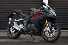 Honda CBR250RR Mat Gunpowder Black Metallic