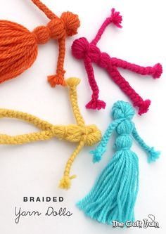 Learn how to make classic braided yarn dolls. This is a simple, traditional craft which is fun to make and the finished yarn dolls make cute DIY toys Yarn Crafts For Kids, Diy For Kids, Easy Crafts, Arts And Crafts, Diy Crafts With Yarn, Preschool Crafts, Simple Kids Crafts, Autism Crafts, Decor Crafts