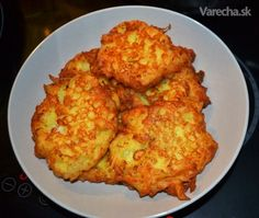 Syrovo-zemiakové placky s jogurtom - recept Vegetarian Recipes, Cooking Recipes, Food 52, Quick Meals, Cauliflower, Goodies, Food And Drink, Potatoes, Homemade