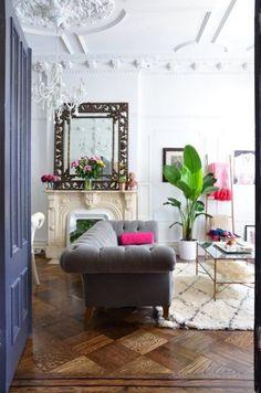 La #elegancia del #sofá de terciopelo dará el toque a cualquier #salón  #Salones #Decoración #Ideas #Inspiración #DecoracióndeInteriores #DecoraciónComprometida #Hogar