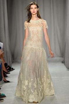 Marchesa Spring 2014 RTW - Review - Fashion Week - Runway, Fashion Shows and Collections - Vogue