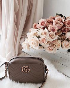 5a42bce3da8 24 Best Handbags of Winter 2017 images