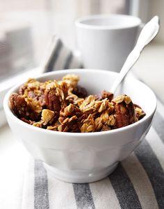 Nutty Cardamom Granola | http://thekitchenpaper.com/nutty-cardamom-granola/