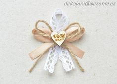 Fotoblogy - Všichni Corsage Wedding, Wedding Bouquets, Wedding Flowers, Satin Flowers, Fabric Flowers, Wedding Tips, Our Wedding, Free Certificate Templates, Ribbon Art