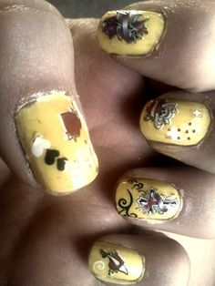 Ed hardy nails :)