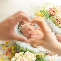 Daddy's Little Angel, Japanese Babies, Maternity Photography Poses, Family Photos, Couple Photos, Newborn Baby Photos, Family Photographer, Mom And Dad, Photoshoot
