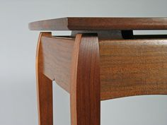 Designing a floating-top table involves exciting options. Here's how to approach the design and construction of these beautiful and useful tables. Zen Furniture, Wood Furniture Living Room, Furniture Projects, Furniture Making, Wood Projects, Contemporary Furniture, Woodworking Joints, Woodworking Projects, Craftsman Dining Tables