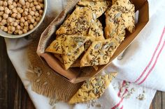 Crackers aux graines à la farine de pois-chiche {sans gluten} | Emilie and Lea's Secrets