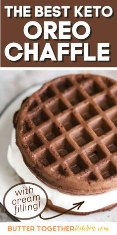 keto recipes The BEST dessert chaffle you can make in minutes with three different types of frosting options! You will love how delicious this keto chaffle tastes! Low Carb Desserts, Healthy Desserts, Low Carb Recipes, Dessert Recipes, Oreo Desserts, Plated Desserts, Chocolate Desserts, Recipes Dinner, Healthy Foods