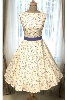 e43d25660f67 SUSAN retro šaty s levandulí levandule Svatební šaty Retro šaty lodičkový  výstřih tylová sukně tyl Satén