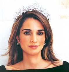 queen rania of jordan wearing Queen Alia's gorgeous tiara loaned to her by her sister in law, Princess Haya (Alia and King Hussein's daughter(