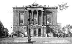 St Albans, the Town Hall c1910 St Albans, Town Hall, Places Ive Been, Countryside, Past, River, City, Building, Spoon