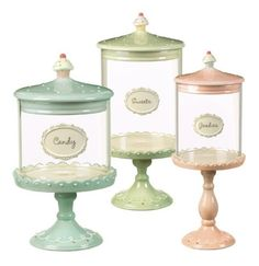 These would look awesome in my new cupcake kitchen~