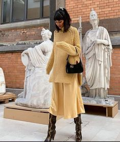 What are those timeless fall trends NYC and French girls love? We break down the wardrobe basics fashionable women will never give up. Easy Style, French Girls, Yellow Shirts, Mellow Yellow, Fall Trends, Facon, Who What Wear, Color Trends, Fall Outfits