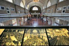 NY - Le musée d'Ellis Island, consacré à l'histoire de l'immigration aux USA. C'est à deux pas de ce musée que l'on trouve la célèbre Statue de la liberté, cadeau de la France aux Etats-Unis ©Salaün Holidays