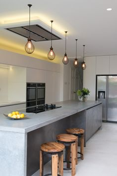 6 Beautiful Kitchen Lighting Ideas For Your New Kitchen Kitchen Countertop Materials, Concrete Kitchen, Kitchen Countertops, Kitchen Island, Industrial Kitchen Design, Contemporary Kitchen Design, Contemporary Interior, Beautiful Kitchens, Cool Kitchens