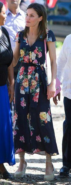 Queen Letizia - Floral Uterqüe jumpsuit - pink Adolfo Domínguez bag - Mint&Rose espadrilles