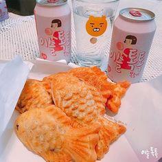 이슬톡톡이랑 잉어빵 한마리 몰고가세요:-) . Photo by @ho_u . 이슬톡톡과 함께한 즐거운 순간을 사진으로 남기고 @official.isultoktok을 태그해주세요! 톡톡이가 찾아가서 리그램:-) . #일상 #daily #drink #이슬톡톡 #맛있다 #이슬톡톡복숭아 #기분좋게발그레 #발그레 #복숭아맛 #탄산소주 #이슬톡톡그램  #알쓰 #붕어빵 #잉어빵 #톡톡한잔 #리그램 #맛있다그램 #like