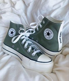 Dr Shoes, Swag Shoes, All Star Shoes, Hype Shoes, Me Too Shoes, Shoes Sneakers, Shoes Heels, Converse Shoes Outfit, Converse Hightops