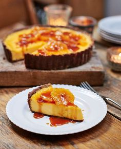 Chocolate Orange Custard Tart with Caramel Tart. The citrussy creaminess of the filling contrasts so well with the crisp chocolate pastry in this sweet tart recipe. Sweet Pie, Sweet Tarts, Tart Recipes, Dessert Recipes, Uk Recipes, Italian Recipes, Ma Baker, Chocolate Pastry, Chocolate Custard