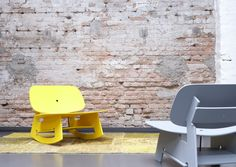 Al past de titel schommellounger beter bij dit model, het blijft een schommelstoel. Een moderne schommelstoel want alleen t feit dat hij kan schommelen doet m nog denken aan de schommelstoelen...