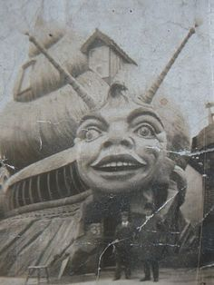 The Snail Ride at Dreamland, Margate, UK Circa ( The ride is no longer standing). Dreamland is the oldest amusement park opening in Creepy Vintage, Vintage Circus, Vintage Photographs, Vintage Photos, Vintage Halloween Photos, Illustration Photo, Arte Horror, Art Graphique, Parcs