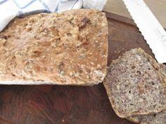Verdens enkleste brød | Godt.no Brunch Recipes, Breakfast Recipes, Norwegian Food, Breakfast Casserole, Banana Bread, Food And Drink, Healthy, Desserts, Eat