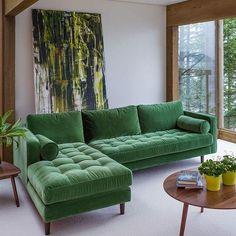 El verde greenery, los motivos vegetales y los materiales naturales continuarán siendo tendencias fuertes en la decoración de tu hogar.