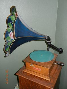 Antique Phonograph: IMPERIAL NO. 2 WITH ABOUT 100 RECORDS | eBay